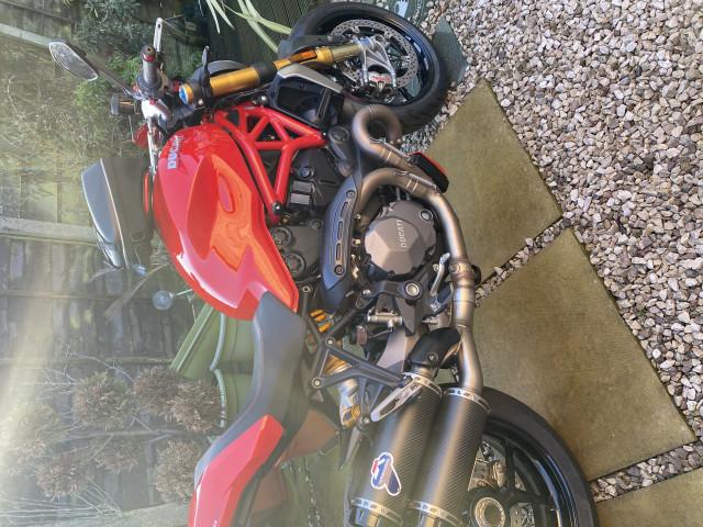 Ducati Monster 1200s 1