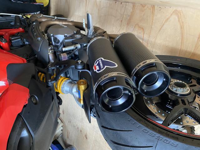 Ducati Monster 1200s 3
