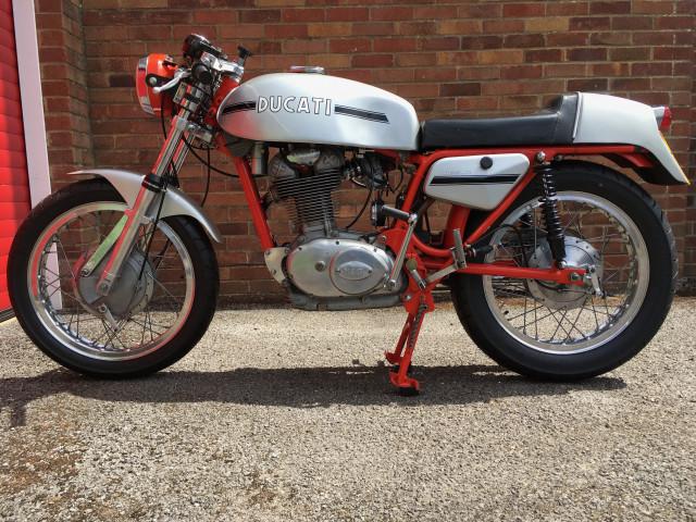 Ducati 450 Desmo 1972 1