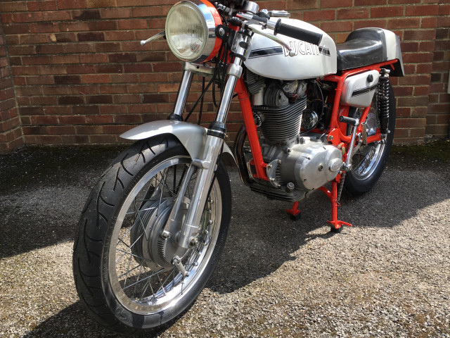 Ducati 450 Desmo 1972 4
