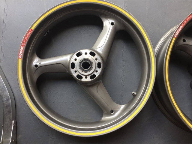 Ducati 900ss ie Wheels 2