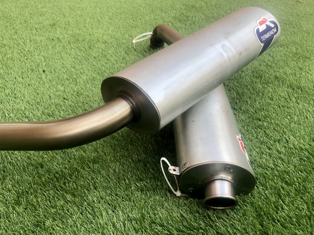 Ducati 748 / 916 standard exhaust pipes  1