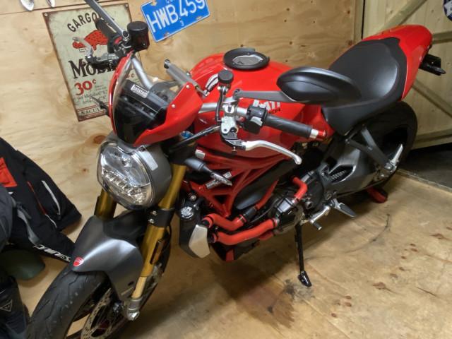 Ducati Monster 1200s 4