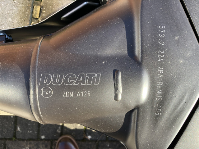 Monster 1200R Standard Exhaust 0