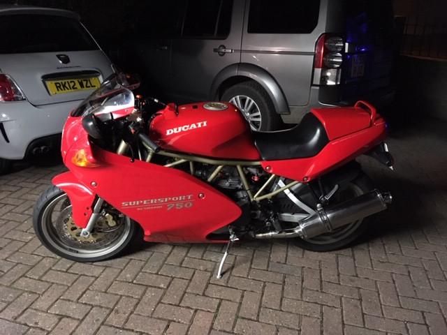 Ducati 750 supersport 1
