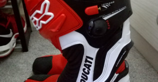 Ducati TCX racing boots brand new size 9 CE approved.