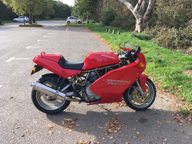 Ducati 750 supersport 0