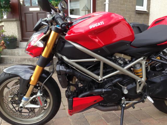 Ducati Streetfighter 1098s, 2011. 4