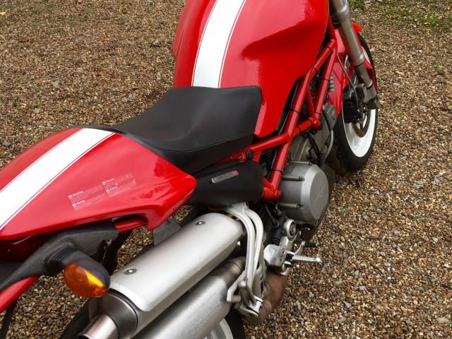 Ducati Monster S2R 803cc 1