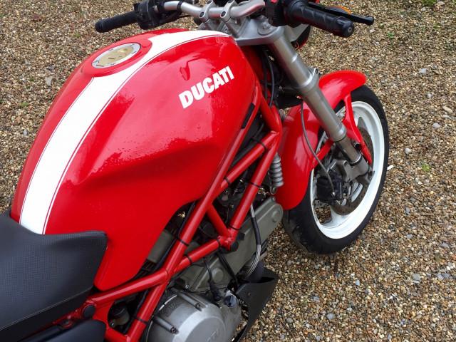 Ducati Monster S2R 803cc 7