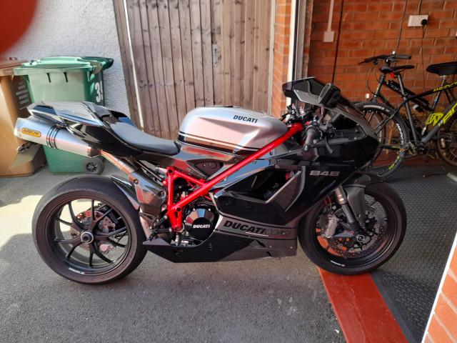 Ducati 848  8