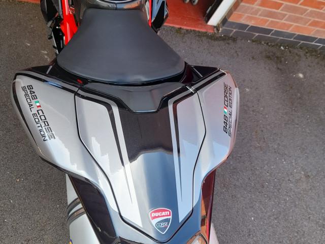 Ducati 848  2