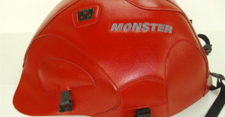 Baglux or Ducati Performance Tank Cover for early carbed (94-99) Monster 900/750/600 wanted
