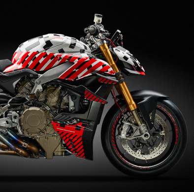 Ducati qualifies for Pole Position With Streetfighter V4 Prototype at Pikes Peak